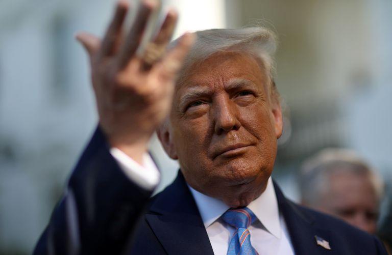 El presidente Donald Trump ayer antes de viajar a Texas.