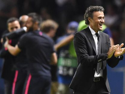 Luis Enrique celebra un gol
