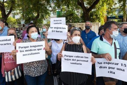 Protesta ante al Consejería de Salud el pasado 30 de julio en Sevilla.