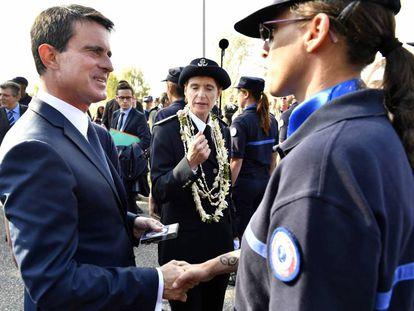 Manuel Valls en una ceremonia de promoción de carceleros