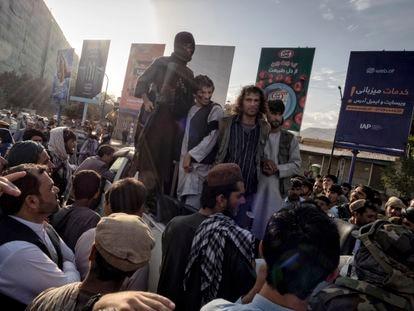 """Kabul, siete días a su suerte: """"No conozco a nadie que no quiera huir"""""""