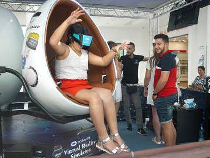 Prueba de realidad virtual en un centro comercial.