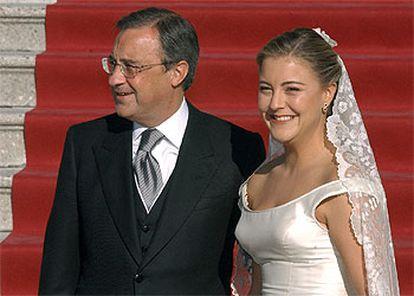 El presidente del Real Madrid, Florentino Pérez, con su hija Mari Ángeles, a su llegada a la iglesia de los Jerónimos.
