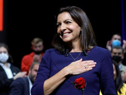 Mayor of Paris and Socialist Party (PS) candidate for the 2022 French presidential election Anne Hidalgo attends the party's investiture convention in Lille, France October 23, 2021. REUTERS/Pascal Rossignol