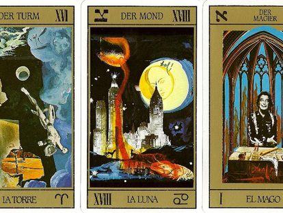 Tres de las cartas del tarot diseñadas por Dalí. En su baraja, él se presenta a sí mismo como el mago y a Gala, como la emperatriz. |