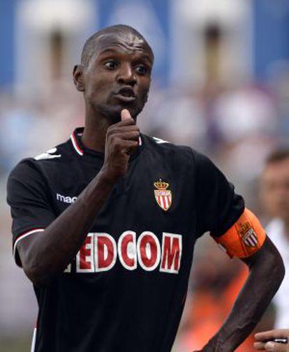 Abidal, en un partido de pretemporada con el Mónaco.