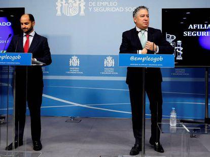Desde la izquierda: los secretarios de Estado de Empleo; Juan Pablo Riesgo, y de Seguridad Social, Tomás Burgos