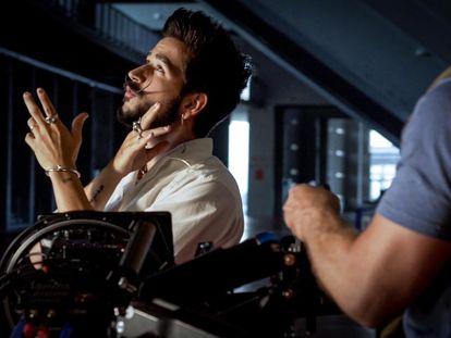 El cantautor Camilo durante el rodaje del tema 'KESI LaLiga Versión Oficial' en Madrid.
