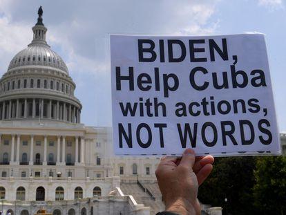 Manifestantes contra el régimen cubano se reunieron el día 27 de julio en Washington.
