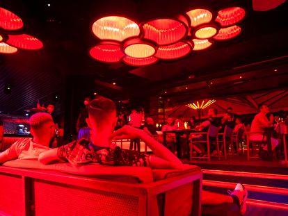 Imagen de una discoteca de Barcelona, poco después de que terminase el estado de alarma.