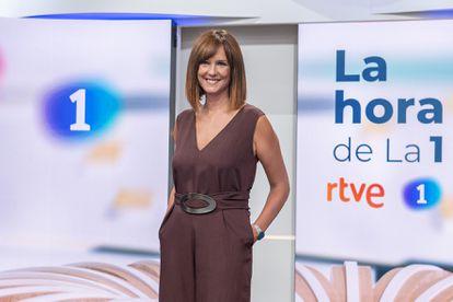 Mónica López, en el plató de 'La hora de La 1'