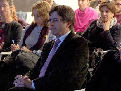 Imagen de televisión de Carles Puigdemont en la presentación de un libro sobre Cataluña en la Guerra Civil, en Bruselas .