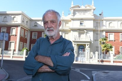 Luis González, escritor, es uno de los antiguos alumnos que denuncia haber sufrido abusos en el colegio marista San José de León, donde están siendo investigados cinco religiosos.