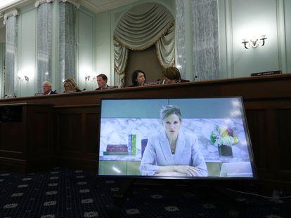 Antigone Davis testifica ante un comité de Comercio del Senado, este jueves.
