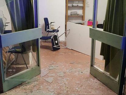 El centro de menores de Torredembarra asaltado.