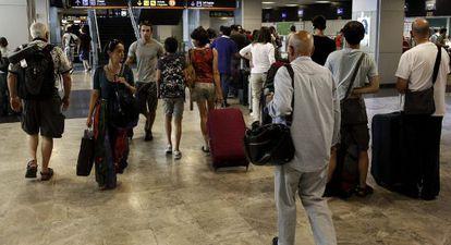 Pasajeros en el aeropuerto Adolfo Suárez Madrid-Barajas.