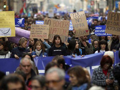 Manifestación en favor de la acogida de refugiados en Barcelona en 2017