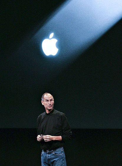 Steve Jobs, cofundador de Apple, dando una conferencia en los cuarteles generales de la firma, en Cupertino.