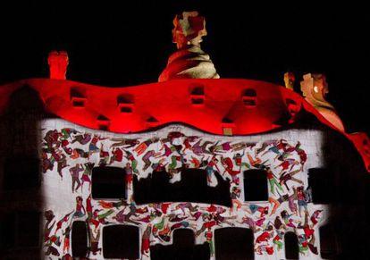 Una escena del espectáculo que se pudo ver ayer en La Pedrera para celebrar sus cien años.