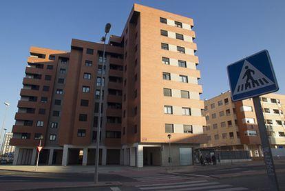 Edificio de Logroño en el que estuvo encerrada durante un mes la mujer paquistaní.