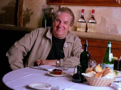 Danny Aiello, en un restaurante en Nueva York en 2001.