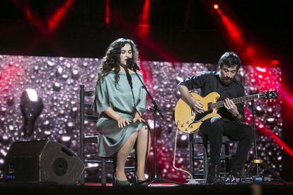 Silvia Pérez Cruz canta en la gala de los Ondas 2014.