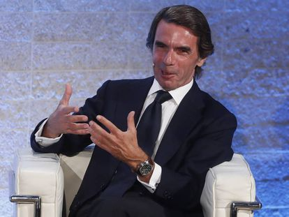 Aznar en el debate sobre el 40º de la Constitución en Madrid organizado por EL PAÍS y la Cadena SER.