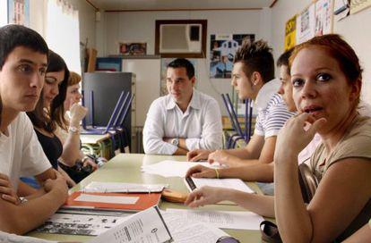 Alumnos del centro de adultos de Alicante Alberto barrios.