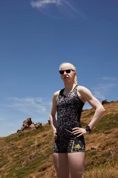 Susana Rodríguez Gacio, médica y deportista paralímpica de triatlon, fotografiada en el Centro de Alto Rendimiento de Granada (julio 2021)