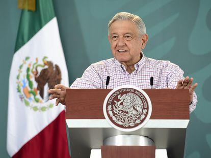 El presidente Andrés Manuel López Obrador, en su mañanera en Torreón (Coahuila) este miércoles.
