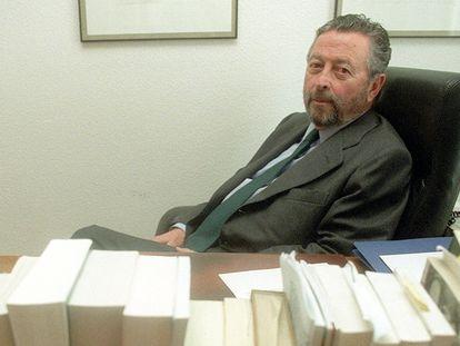 Alberto Oliart, exministro con UCD, en febrero de 2001.