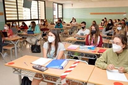 Primer día de curso en una clase de la Universidad Católica de Valencia, el pasado mes de septiembre.