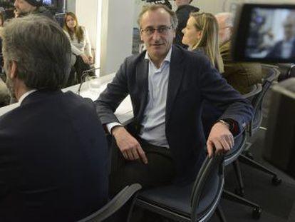 El exlíder del PP vasco pide calma a sus seguidores y que continúen en sus puestos