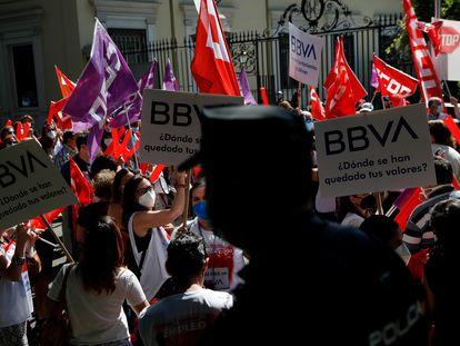 Protestas contra el ERE del BBVA, el pasado 2 de junio en Madrid.