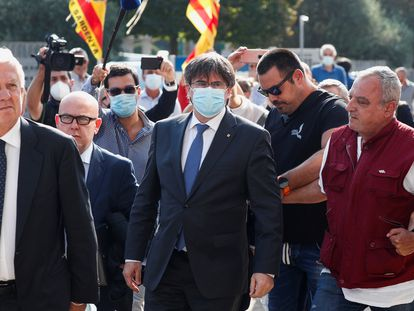 El expresidente catalán, Carles Puigdemont, a su llegada este lunes al tribunal de apelación de Sassari (Italia).