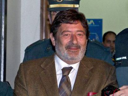 Javier Guerrero abandona los juzgados camino de prisión.