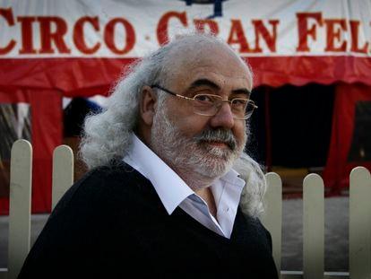 Rafael Pla, 'El Gran Fele', delante de su circo en Valencia, en 2005.