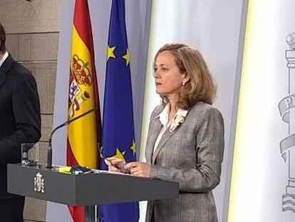 El ministro de Sanidad, Salvador Illa, y la vicepresidenta económica del Gobierno, Nadia Calviño.