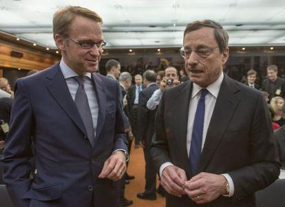 Weidmann y Draghi durante un acto en Fráncfort en abril pasado.