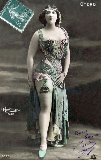 1909 postcard with a photograph of Bella Otero, a dancer of international fame.