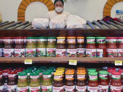 Muestra de salsas Herdez en un Walmart en Ciudad de México