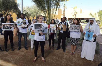 Activistas en la Cumbre del Clima de Marrakech, este lunes