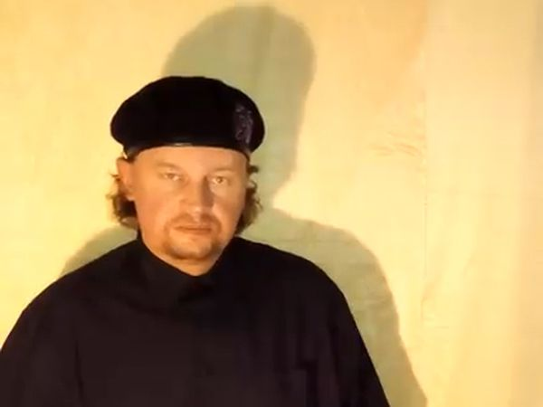 Imagen de un vídeo subido a Internet por un hombre identificado como Maxim Plojim, principal sospechoso del secuestro.