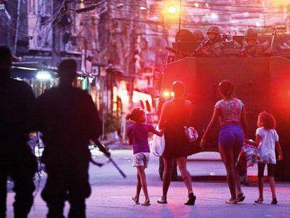 Las fuerzas federales ocuparán la favela Máre, en Río de Janeiro, hasta que acabe el Mundial de fútbol.