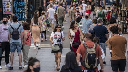 El primer día sin mascarilla en exteriores en España, en imágenes