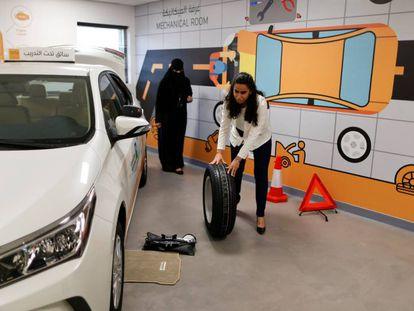 Mujeres al volante en Arabia Saudí