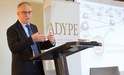 Javier Sotil en los desayunos de Adype