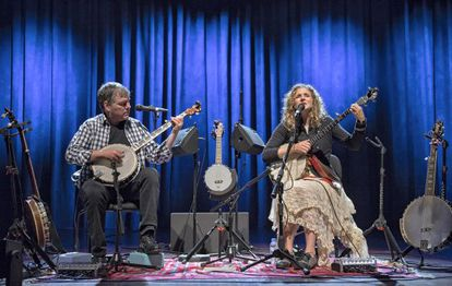 Béla Fleck & Abigail Washburn con sus banjos.