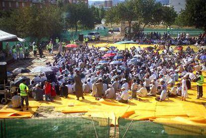 Concentración de musulmanes en Reus (Tarragona).