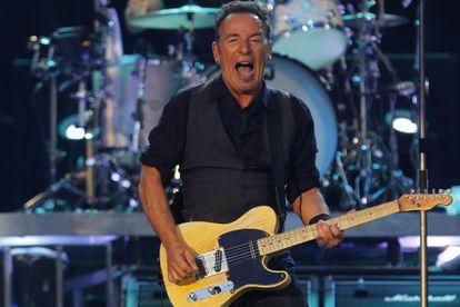 Bruce Springsteen, durante su actuación de anoche en el Bernabeu.